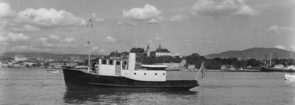 Politibåt-1